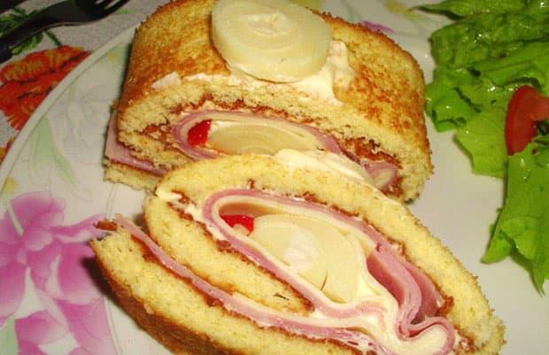 arrollado de jamón, queso y palmitos